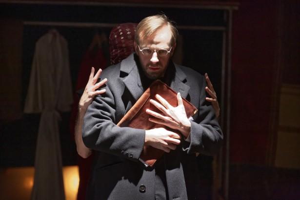 Jeremias Nussbaum en Lepsius dans Le Cercle de l'Ombre au Théâtre National de Nice